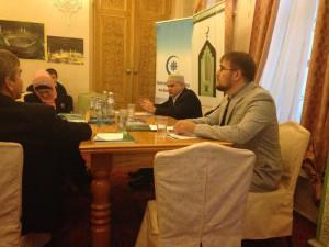 Модераторы заседания - Сергей Зязин (на переднем плане) и Шафиг Пшихачев