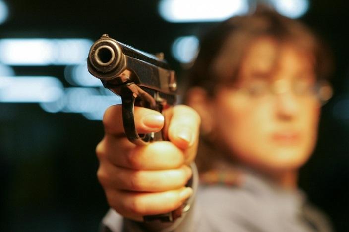 Граждане России получат право стрелять на поражение в целях самообороны