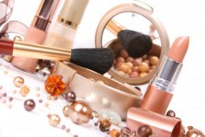 Плюсы заказа и доставки косметики через Интернет