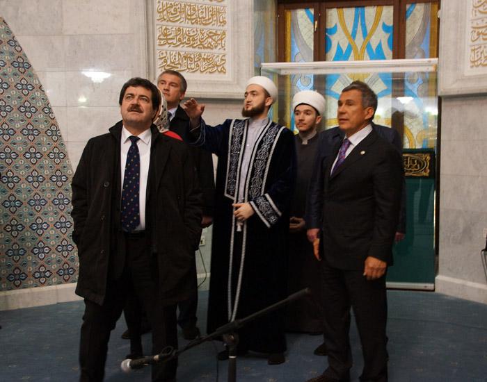 Посещение крымской делегацией мечети