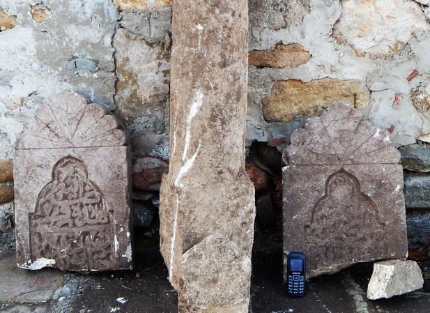Крымские мусульмане выступили против строительства на костях своих предков
