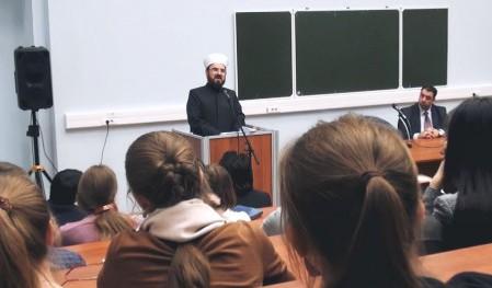 Мусульманский ученый встретился со студентами МГУ (видео)