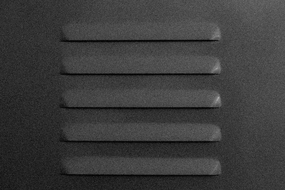 Надежные и прочные стальные и бронзовые вентиляционные решетки