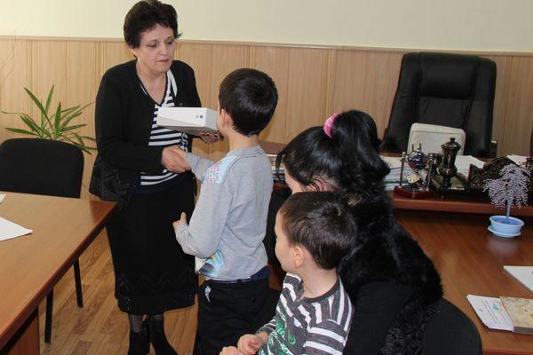 Владимир Путин исполнил мечту мальчика-беженца из Дагестана