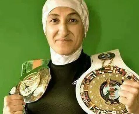 Боксер в хиджабе выйдет на профессиональный уровень