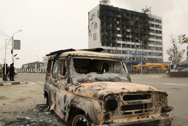 """В нападении боевиков на Грозный увидели след """"Исламского государства"""""""