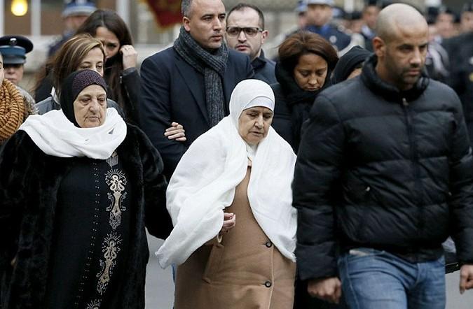 Президент Франции проводил в последний путь героя Ахмеда Мерабета
