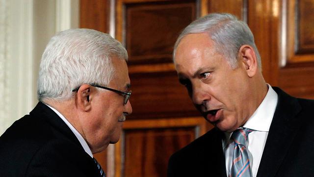 Глава ПА Махмуд Аббас и премьер Израиля Биньямин Нетаньяху
