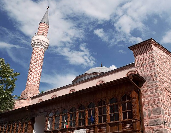 В Болгарии подожгли историческую мечеть