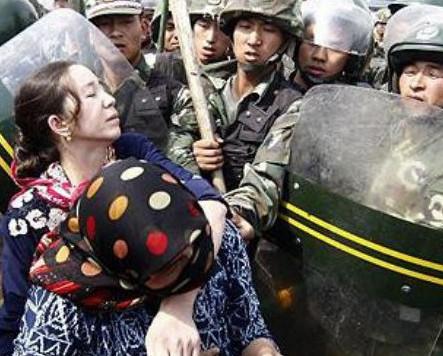 Уйгурские мусульмане спасаются от репрессий в Казахстане