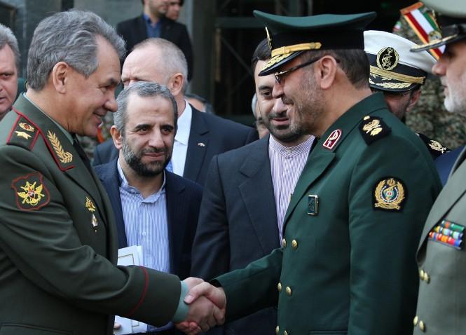 РФ и Иран укрепили военные связи, США изучают детали визита Шойгу