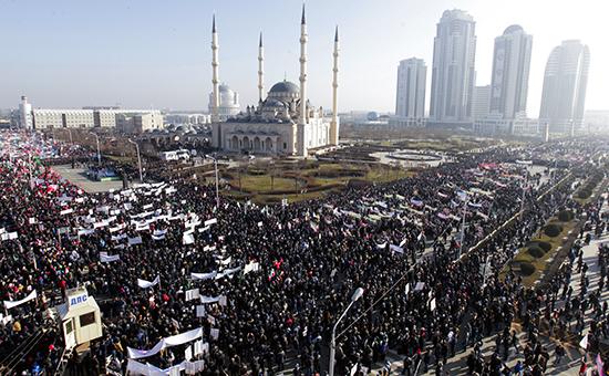 «Россия 24» показывает митинг «Любовь к пророку Мухаммаду» в прямом эфире