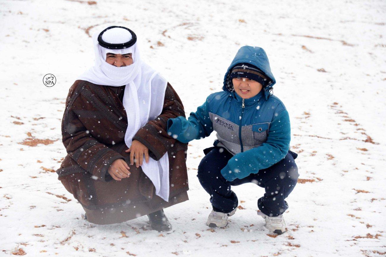 Необычно заснежаная зима на севере Саудовской Аравии