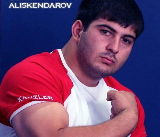 Эльдар Алискендаров защитит честь российской армии