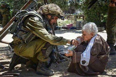 Гуманизм по-израильски: солдат ЦАХАЛ дал палестинской старушке воды, а затем казнил ее