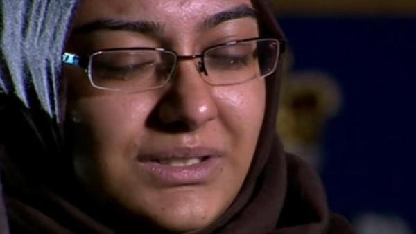 Сестра Шамимы не может сдержать слез