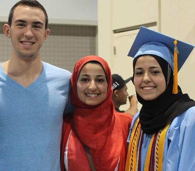 Американец расстрелял 3 молодых мусульман, западные СМИ позорно промолчали