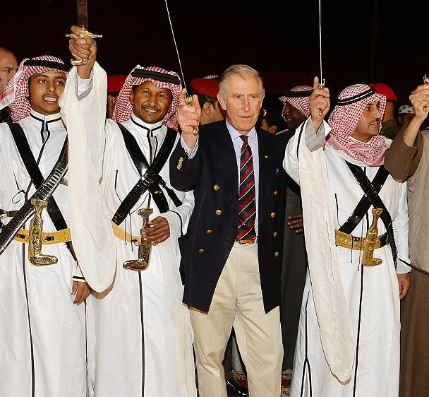 Принц Уэльский сплясал с бедуинами