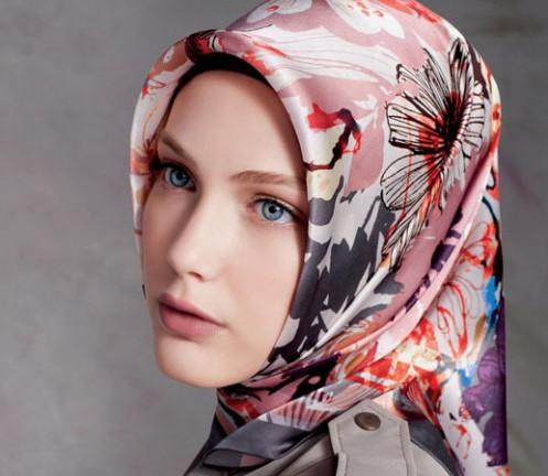 В России впервые выходит книга, посвященная хиджабу