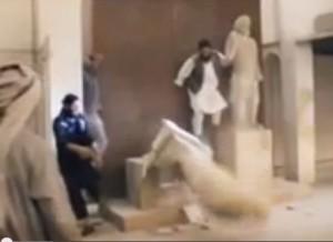 ИГИЛ разрушил древние исторические памятники в музее Ирака. ВИДЕО