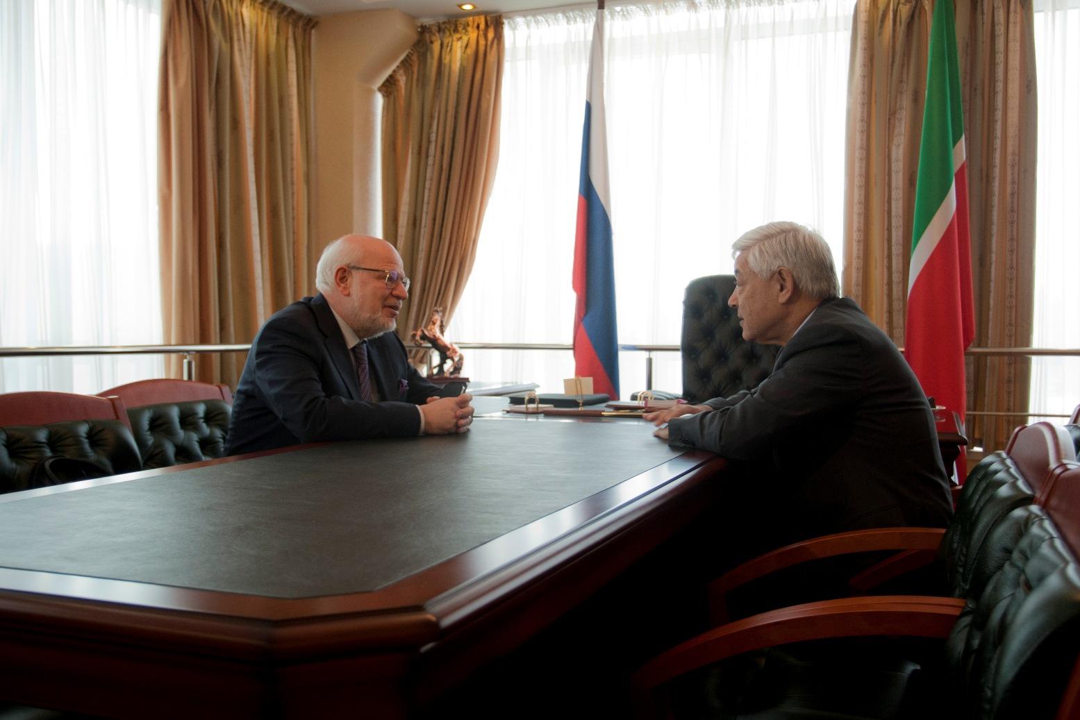 Встреча главы СПЧ Михаила Федотова и председателя Госсовета РТ Фарида Мухаметшина (Фото: сайт СПЧ)