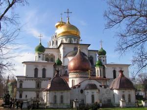 Расходы на монастырь исчисляются миллиардами рублей – священник
