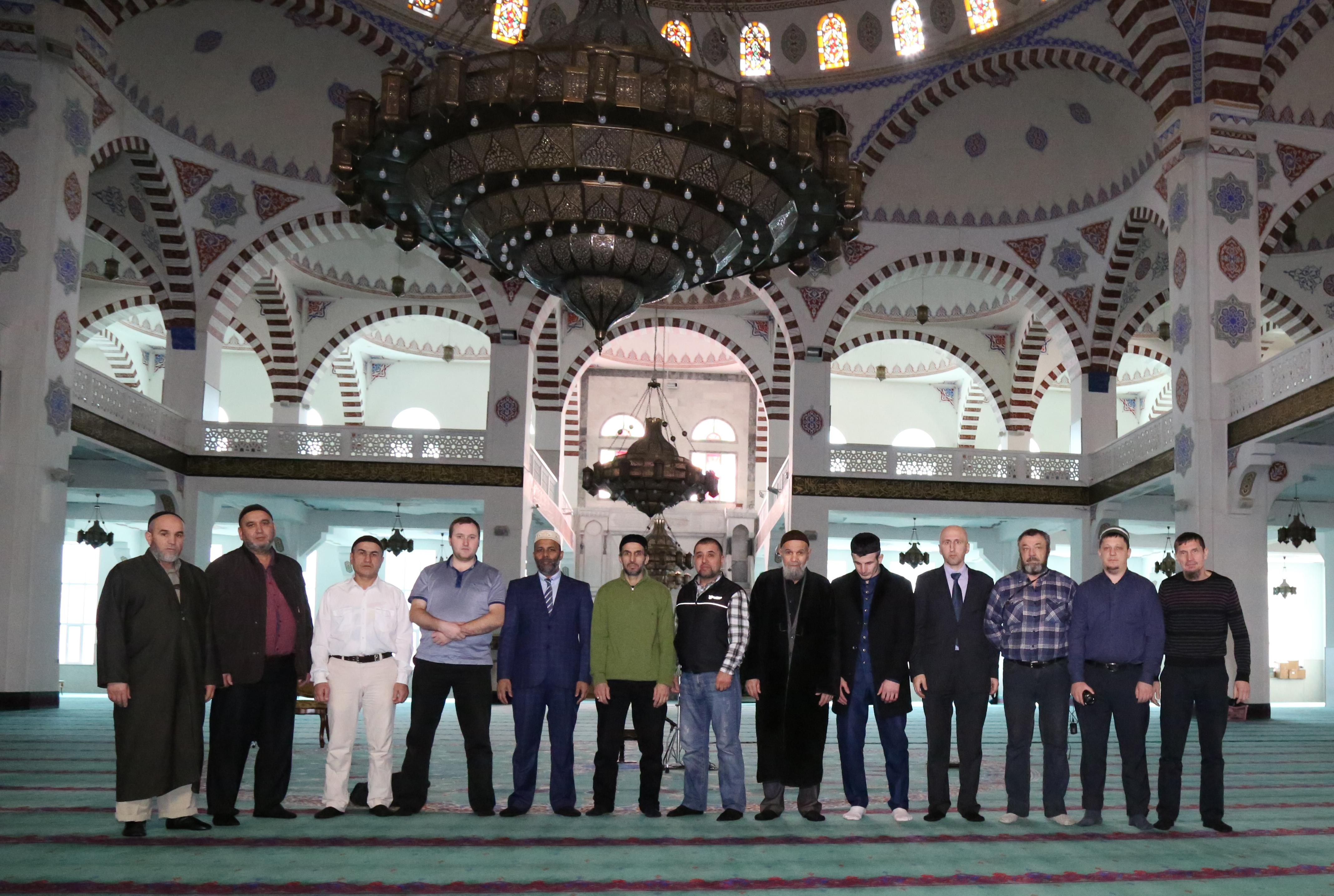В мечети Махачкалы