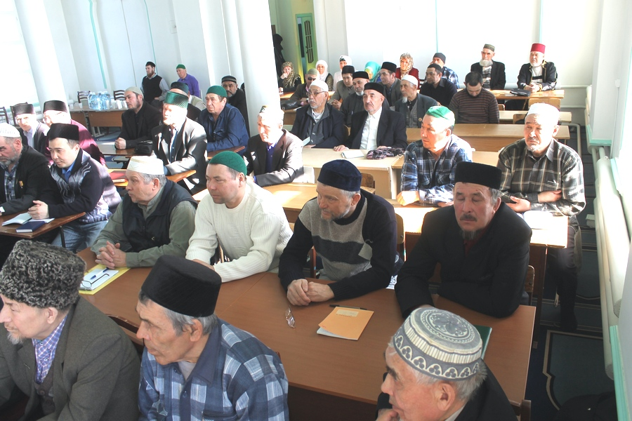Занятия проходят в двух помещениях соборной мечети Ембаево