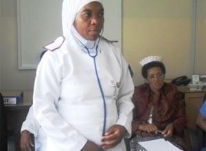 Минздрав наказал больницу за отстранение медика в хиджабе