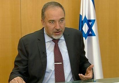 Либерман поклялся рубить головы израильским арабам за поддержку Палестины