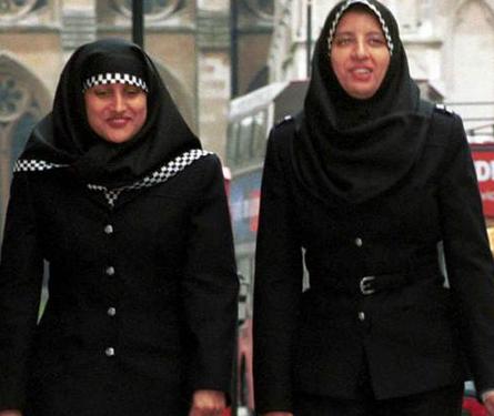 Канадцы поддерживают право мусульманок на хиджаб – опрос