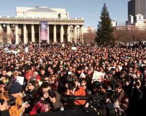 Участники митинга в Новосибирске