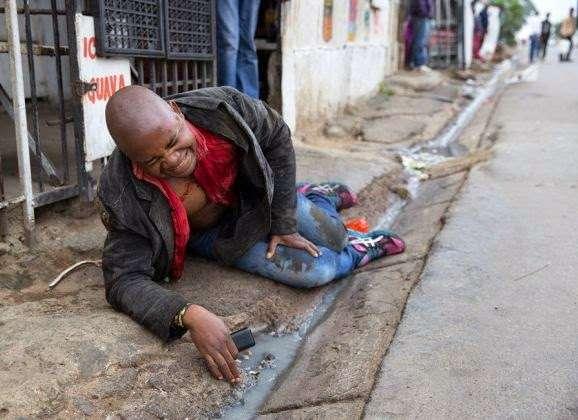 Убитый житель Мозамбика за мгновения до смерти