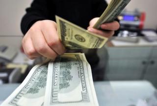 В Иране резко подешевел доллар