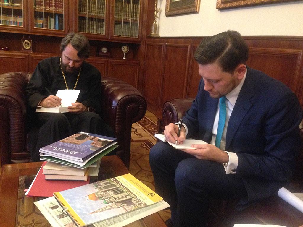 Митрополит Иларион высказался за укрепление связей РПЦ с российской уммой