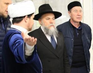 Лидер российских евреев отправился в мечеть