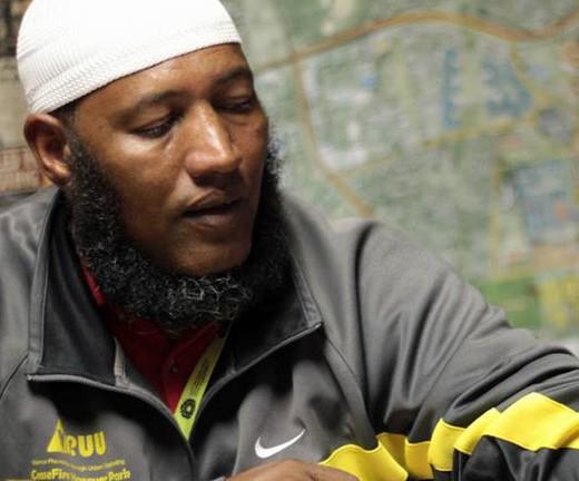Гангстеры приняли ислам целой бандой и сложили оружие
