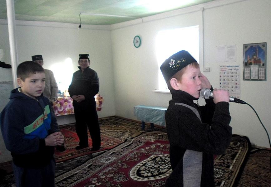 Юный муадзин Кипо-Куларовской мечети
