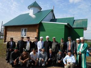 В день торжественного открытия мечети в Кипо-Кулары