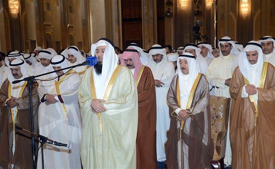 Впервые сунниты и шииты Кувейта совершили совместный пятничный намаз