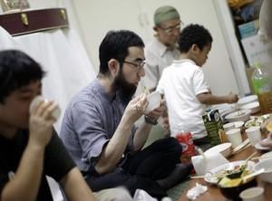 Ифтар с японскими палочками