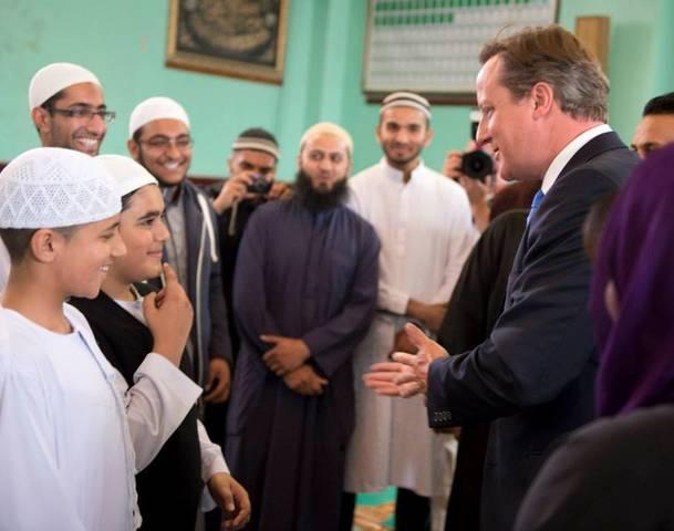 Правительство сулит поддержку «умеренному исламу»