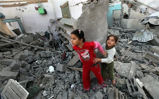 Жизнь на руинах: в Газе отмечают первую годовщину агрессии Израиля