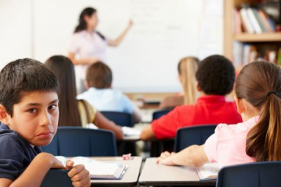 Россияне требуют не лишать детей нелегальных мигрантов права на образование