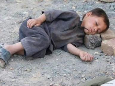 Дети Газы спят на руинах. Хочешь помочь – подпиши петицию!