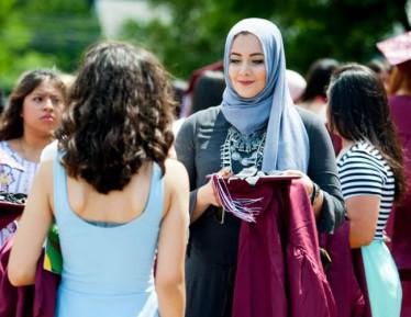 Эштон Катчер поддержал школьницу в хиджабе