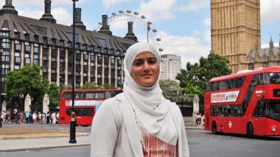 Мусульманка в хиджабе вершит футбольную политику Англии