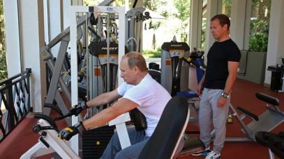 Кадыров призвал равняться на спортсмена и трезвенника Путина