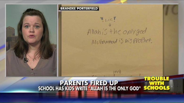 Мать ученицы отправила фотографии конспектов дочери на канал Fox News, известный своей исламофобской политикой
