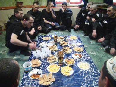 В уральских колониях пили чай и праздновали Курбан